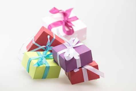 gifts-570816_1280