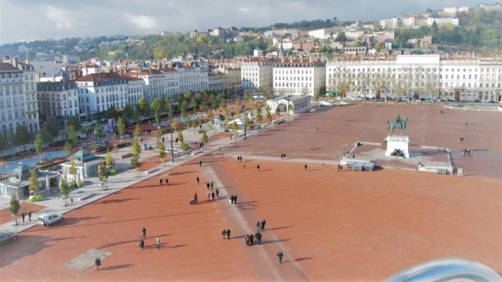 place-bellecour-lyon