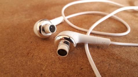 headset-1841483_1280