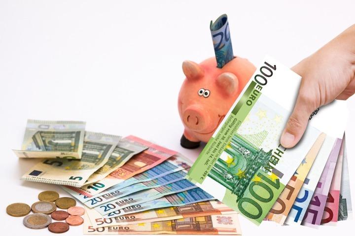 piggy-bank-1047216_1280